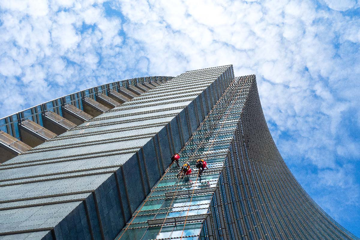 commercial skyscraper window cleaning in florida